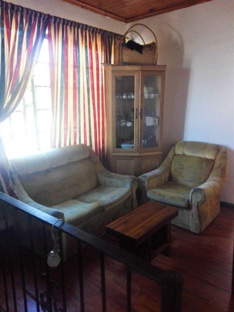 Flat 1 : 3 Bedroom flat - Lounge