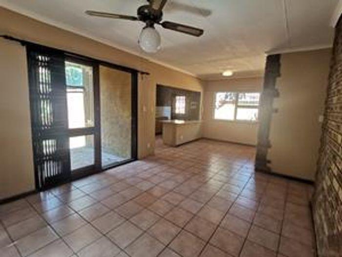 Property #1944578