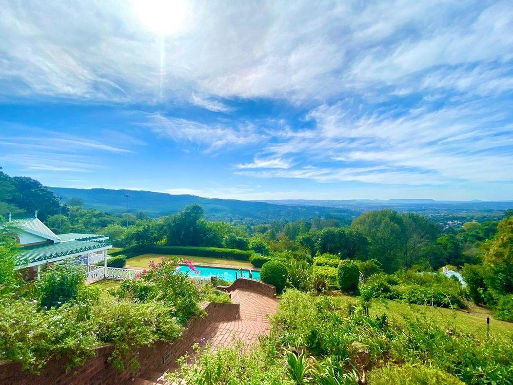 Panoramic view overlooking the horizon