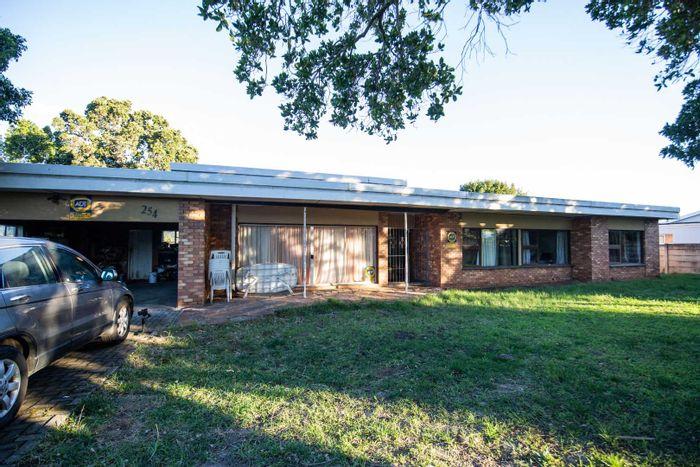 Property #1946228