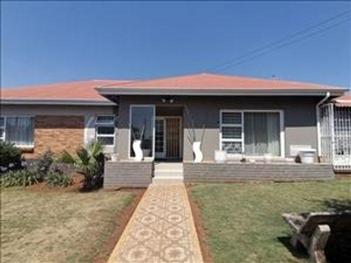 Property #1944343