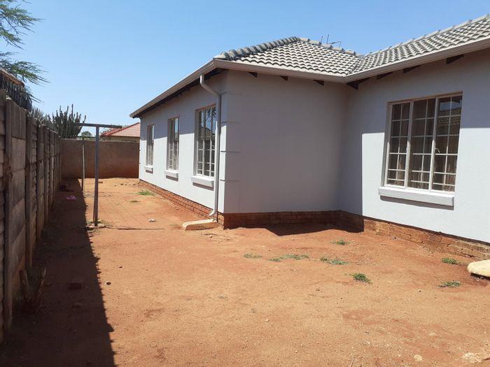Property #1912933